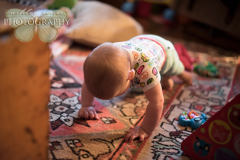 guelph-lifestyle-photography-Feb24-crawling-arp-005-blog